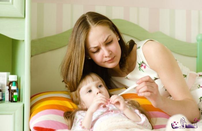 Как помочь ребенку справиться с температурой?