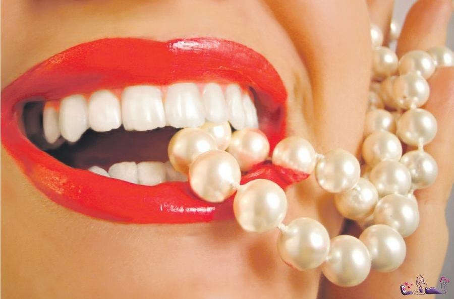 Свою улыбку стоит доверять только опытному дантисту!