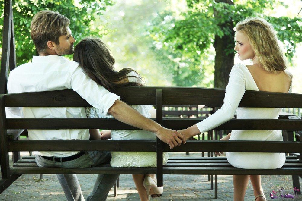 Американские ученые узнали, как часто супруги изменяют друг другу