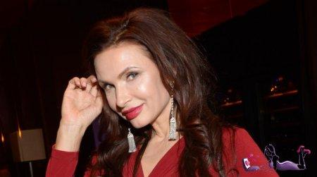 Эвелина Бледанс готовится стать матерью в третий раз